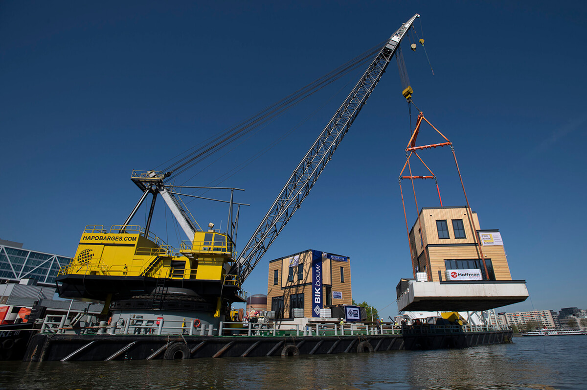 Sustainable floating villas in Rotterdam