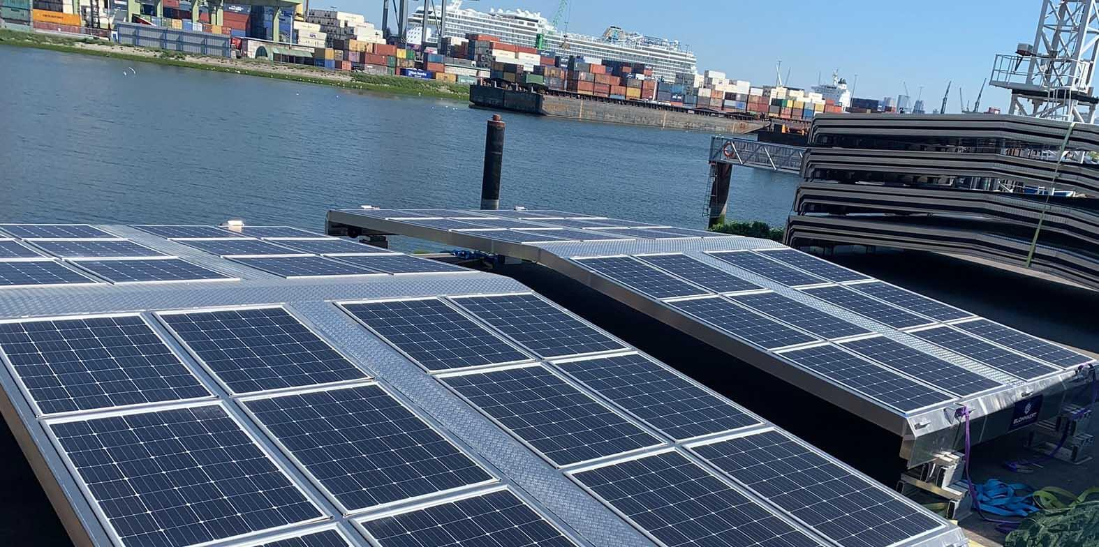 Wattlab makes inland shipping sustainable: stackable hatches with ultra-thin solar panels
