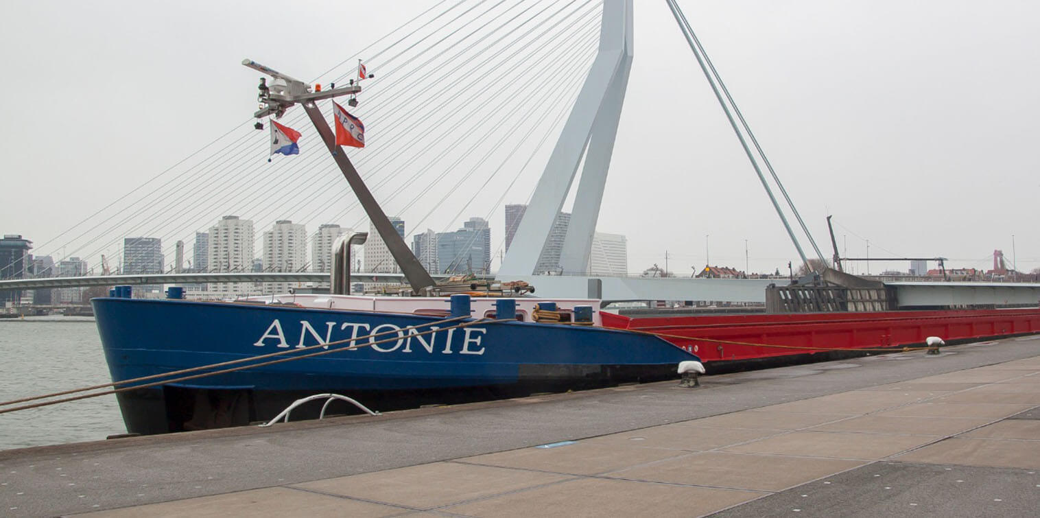 Rotterdam invests in hydrogen for inland shipping